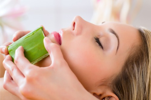 How To Get Rid Of Wrinkles Naturally With Aloe Vera